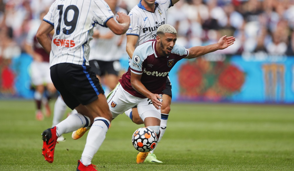 'Baller' 'Superb Yet Again' Fans Hail West Ham Ace Following Performance Against Manchester United